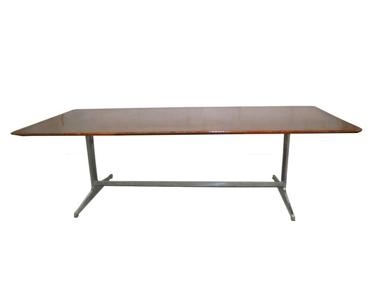 Exceptionnelle grande table ou bureau en loupe d 39 amboine for Grande table