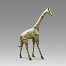 Girafe monumentale. Sculpture de François Melin. 1975