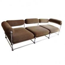 Verner Panton. Rare ensemble d'un canapé et de deux fauteuils série S 420