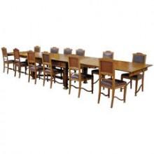 Rare ensemble d'une grande table et douze chaises d'époque Art and Craft en chêne
